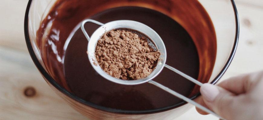 Из какао-порошка